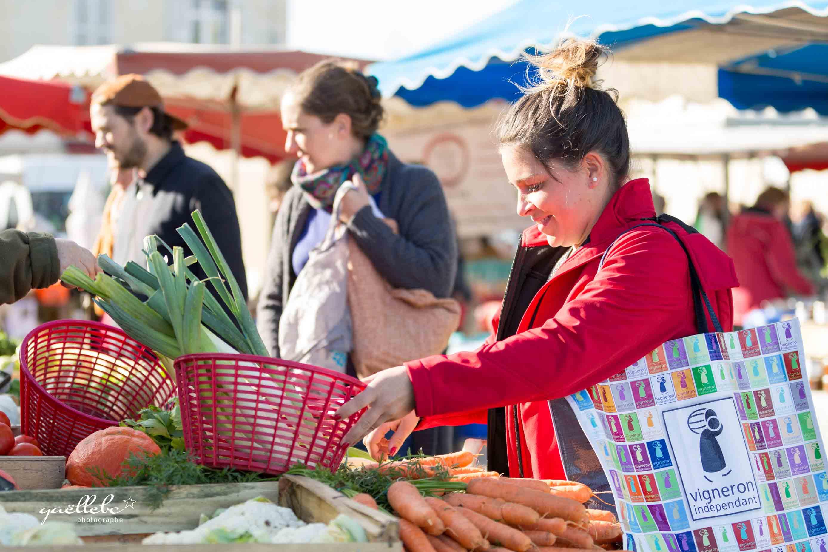 Seance-Photos-Azelie-entre-vignes-et-marche-©gaellebc-JPGweb-105