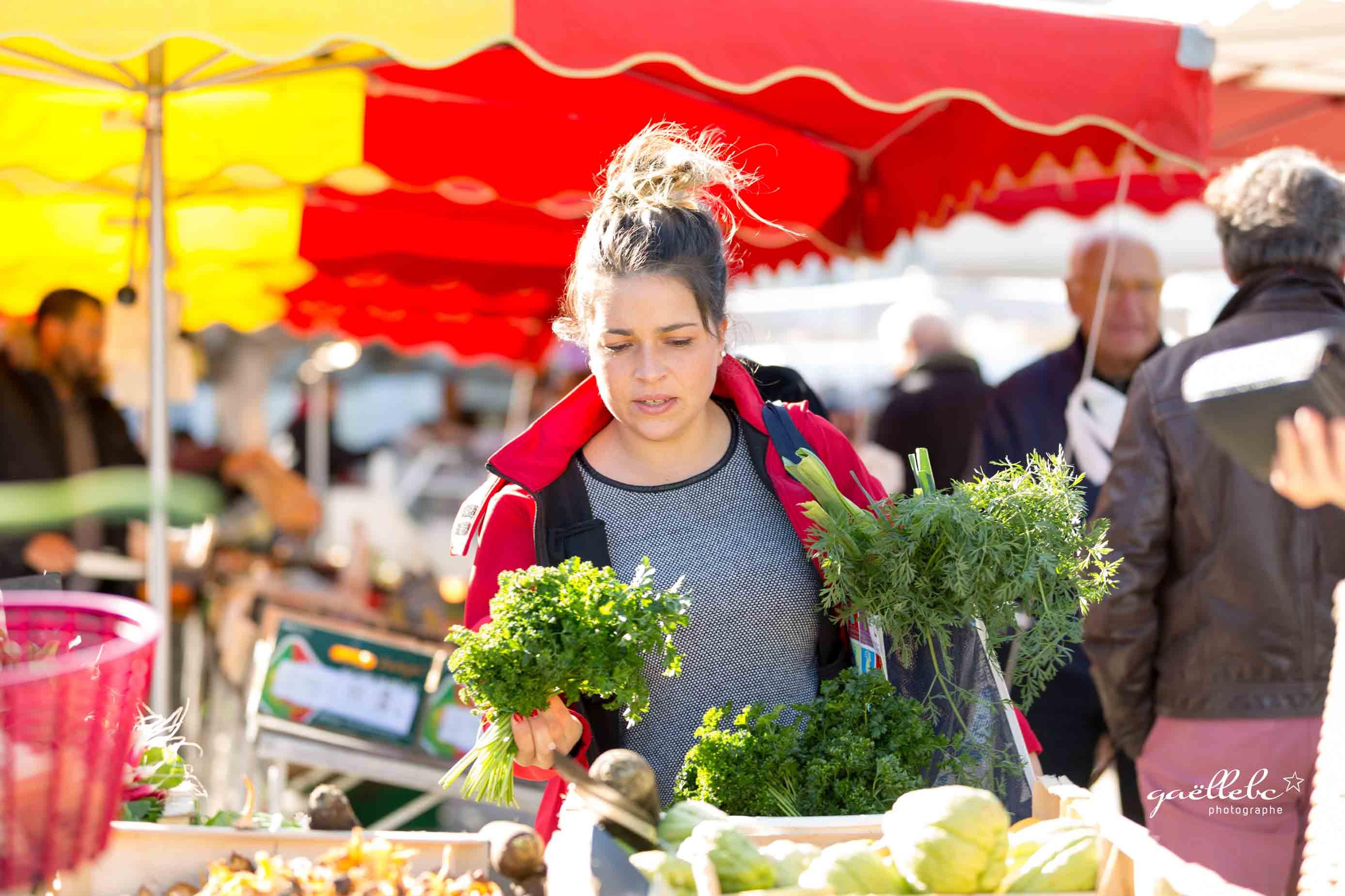Seance-Photos-Azelie-entre-vignes-et-marche-©gaellebc-JPGweb-110