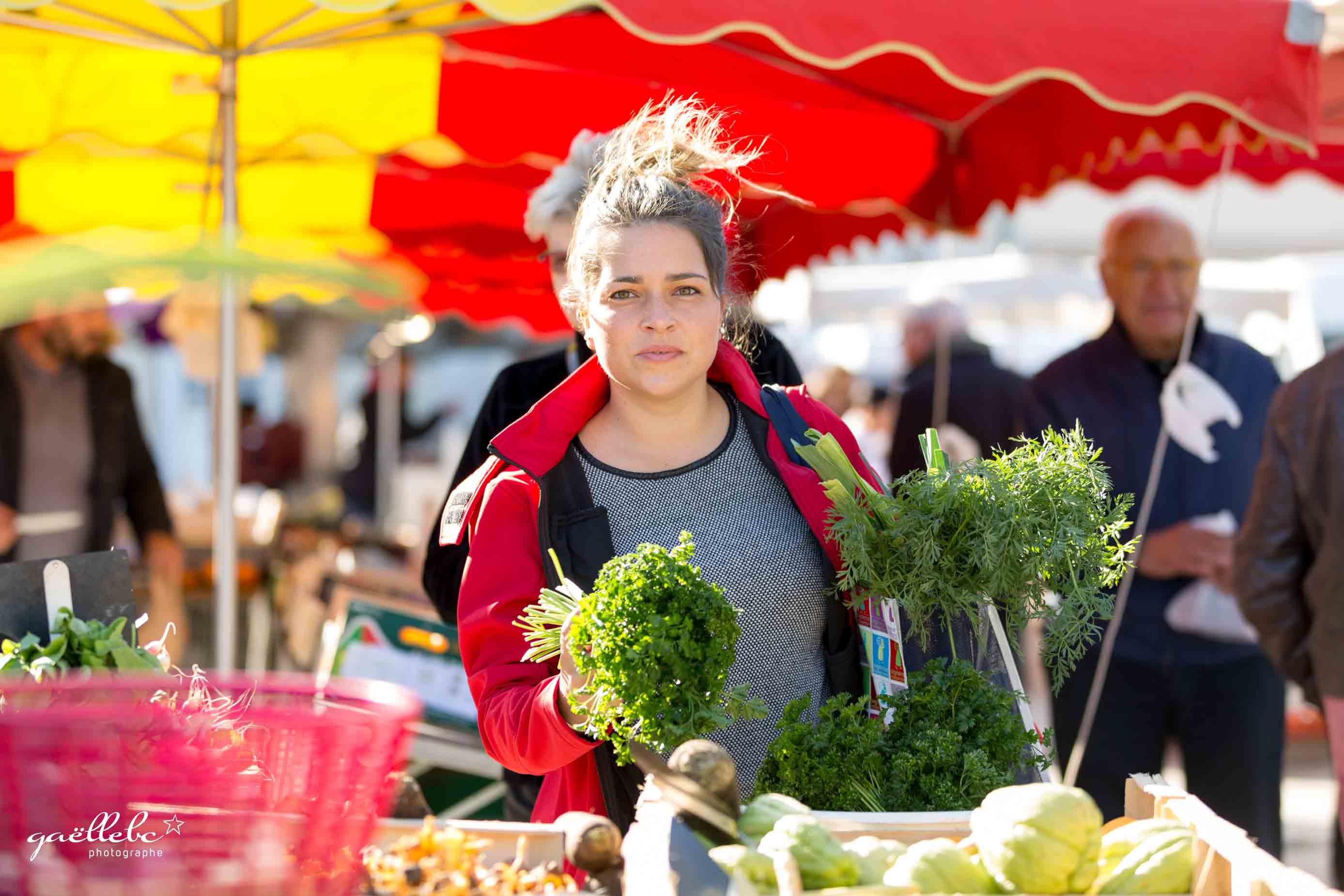 Seance-Photos-Azelie-entre-vignes-et-marche-©gaellebc-JPGweb-111